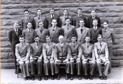 1951-LEAV-HONS