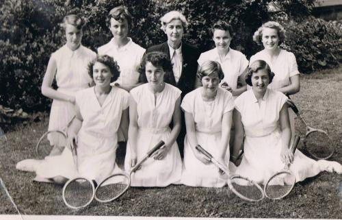 1953 Tennis Girls