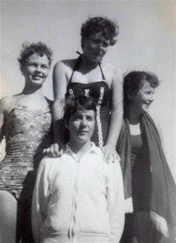 1960 Swimming Kelvin Girls